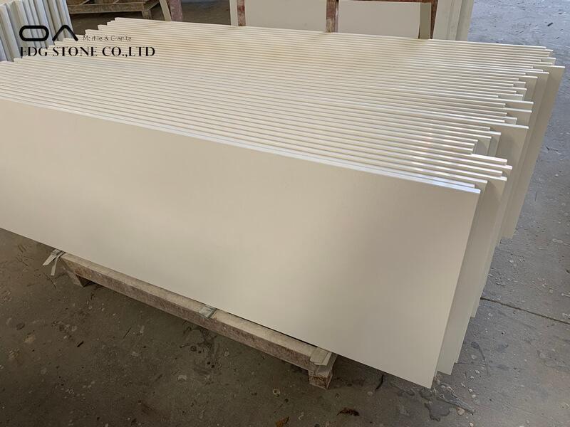 white grey quartz countertops
