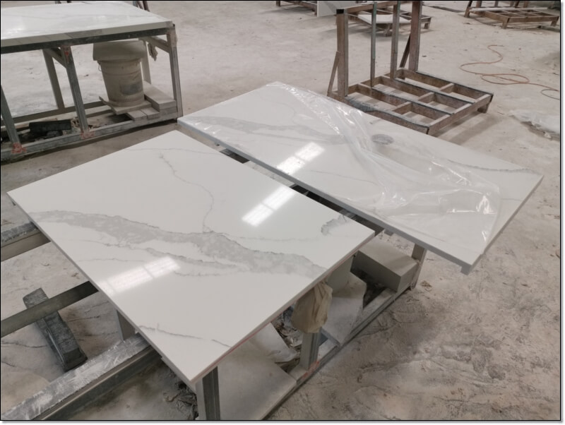 Calacatta Gold White Quartz Countertops (1)
