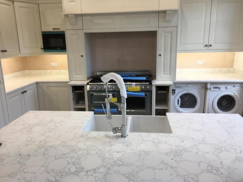 White quartz kitchen countertops (1)