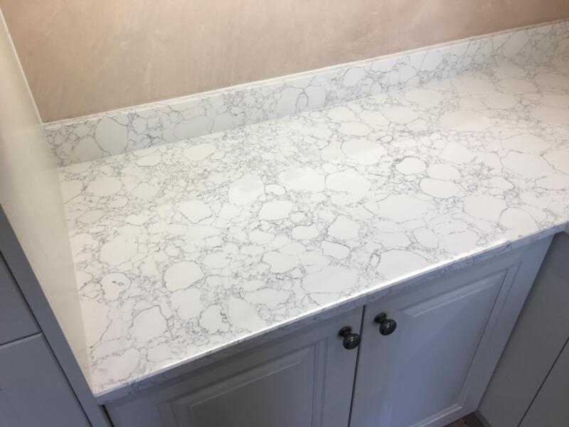 White quartz kitchen countertops (4)
