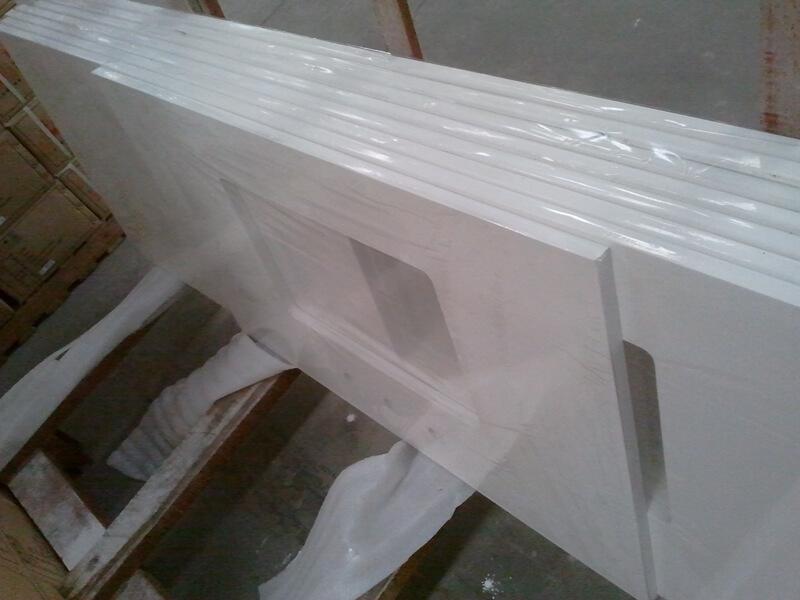 romano white quartz
