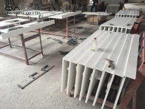 white gray quartz countertops