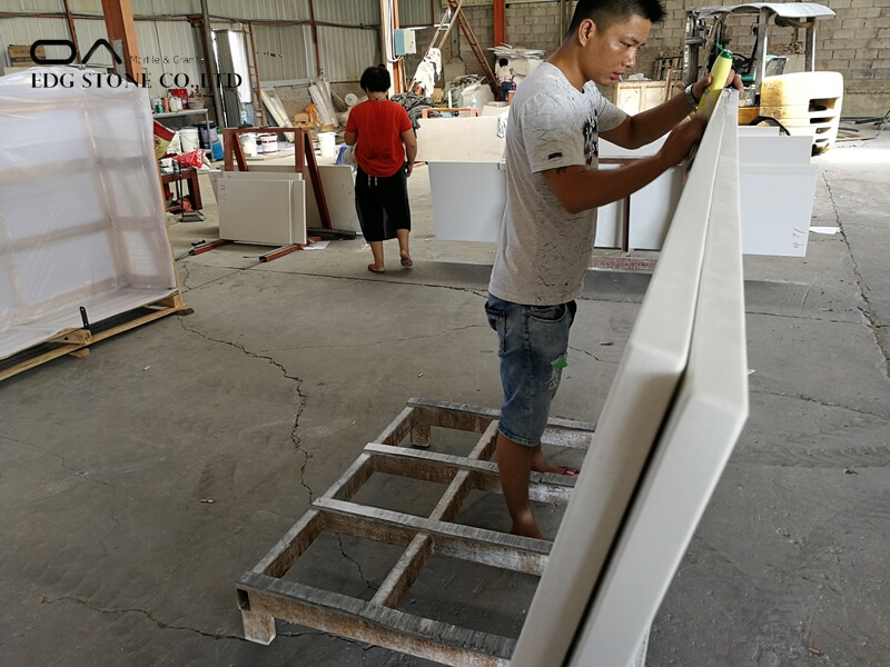 quartzstone white worktop