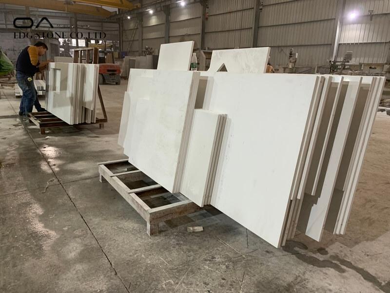 white shimmer quartz worktop